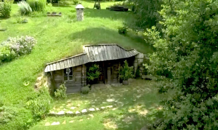 Földalatti zöld ház