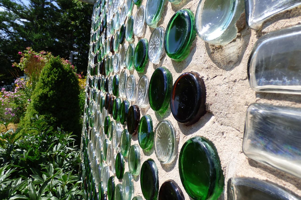Színes üveg