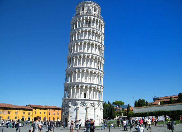 Ferde Torony, Pisa